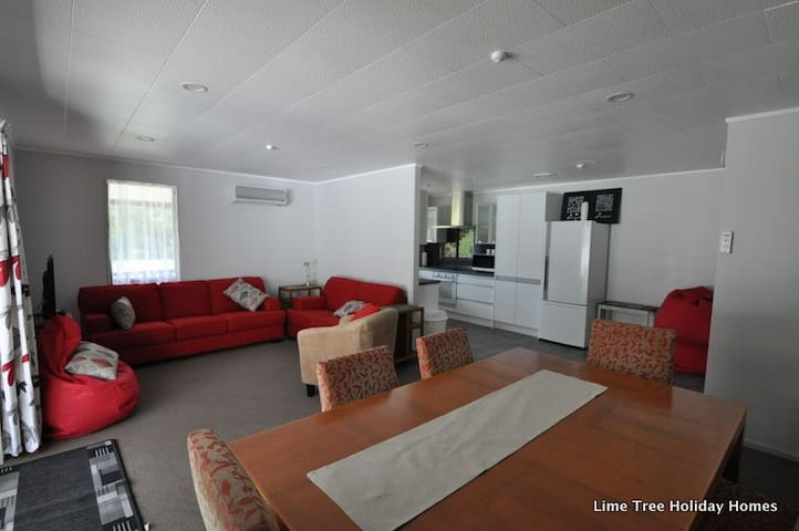 Lime Tree House - Comfort, Location, Space