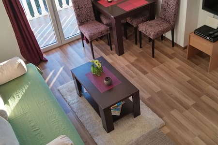 Apartment Mila, Sunny and Cozy - Tivat - Apartmen