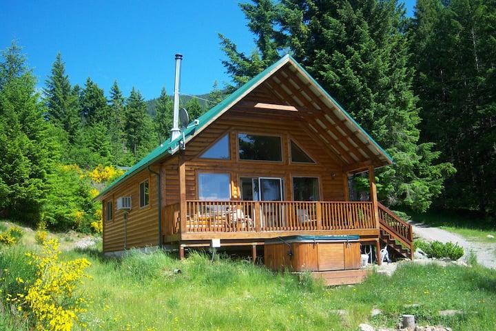 Mt View Cabin, hot tub, great views, elk roam!
