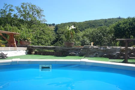 Butterfly Cottage woodland setting & heated pool - Saint-Benoît - Andere