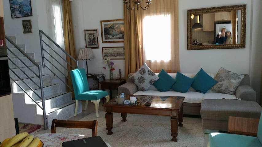 2-floor apartment with a great sea view in Bodrum