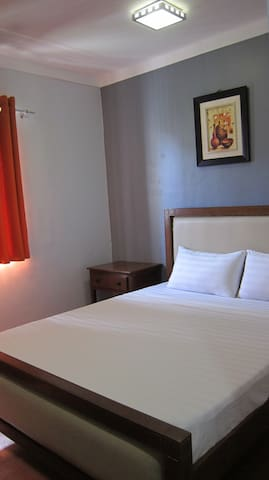 double bed room good for 2pax with clean sheets and towels