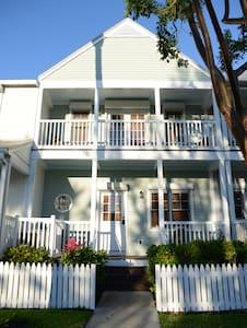 3Bd 3Ba Cottage/Village at Hawks Cay/Ocean Views