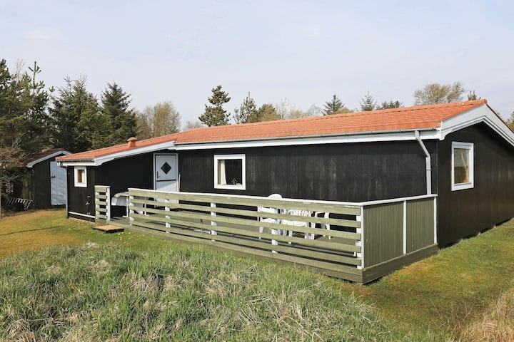 Relaxed Holiday Home in Ålbæk near the Sea