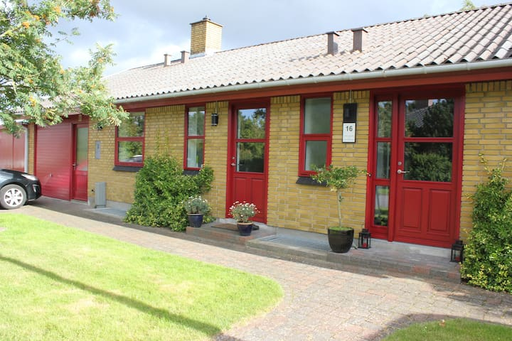 Child-friendly spacious villa in a small village - Vissenbjerg