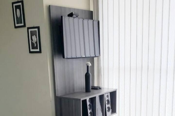 Apartamento completo e confortável em condomínio