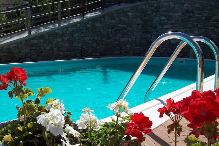 Mooie vakantiewoning in Argigliano met zwembad