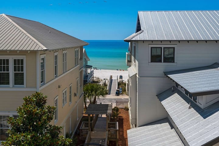 Recently Renovated!!! Stunning Gulf Views-Steps to Private Beach Access-2X Community Pools!