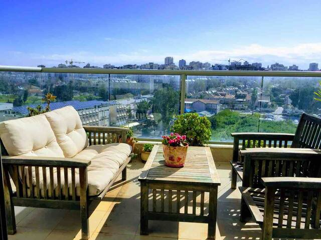 Central Herzliya apartment