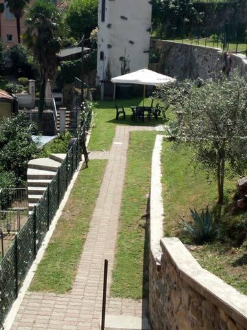 LA CASA DI BRIENNO 2 garden with amazing lake view