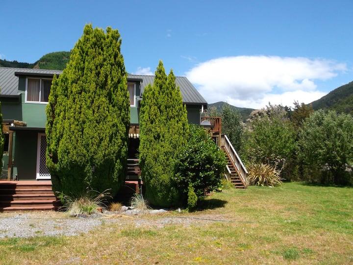 Gowanbridge  B &  B -Farm Stay -Nelson Lakes
