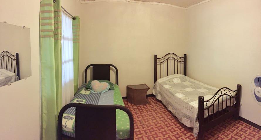 Habitación #1 Privada, 2 camas