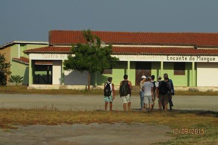 Aconchegante chelé perto do mangue - Acaraú - 木屋