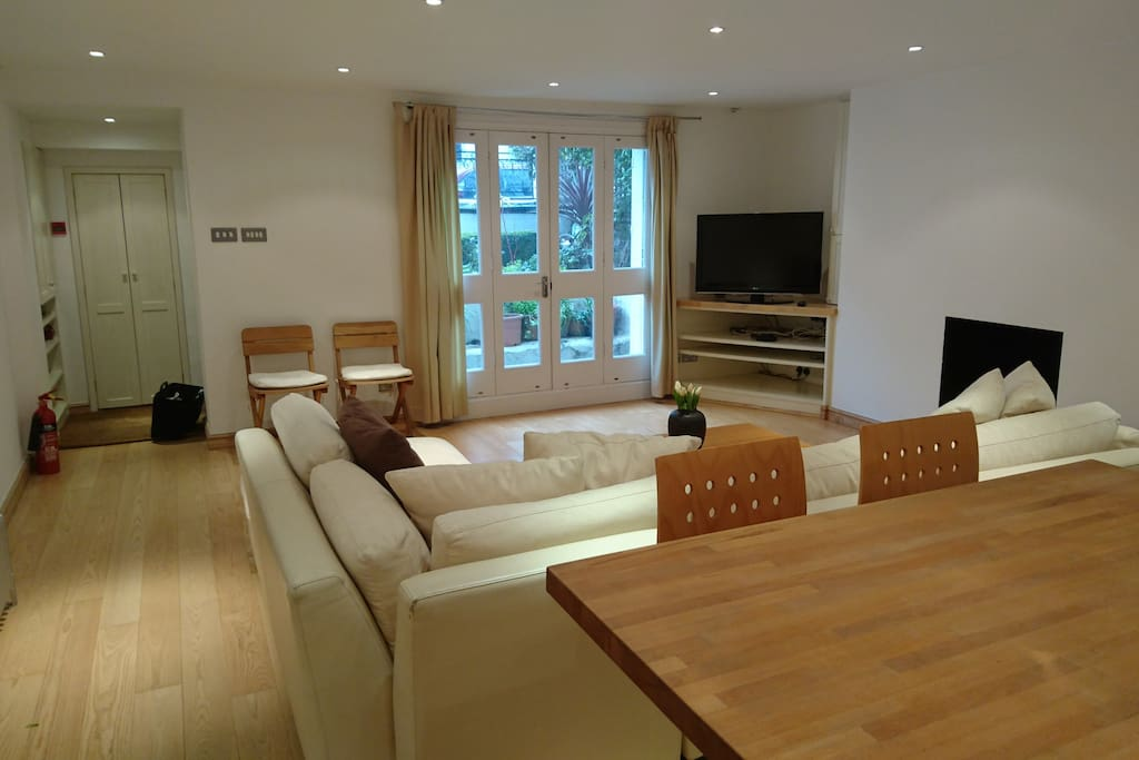 5* Complete Notting Hill Apartment - Apartments for Rent ...