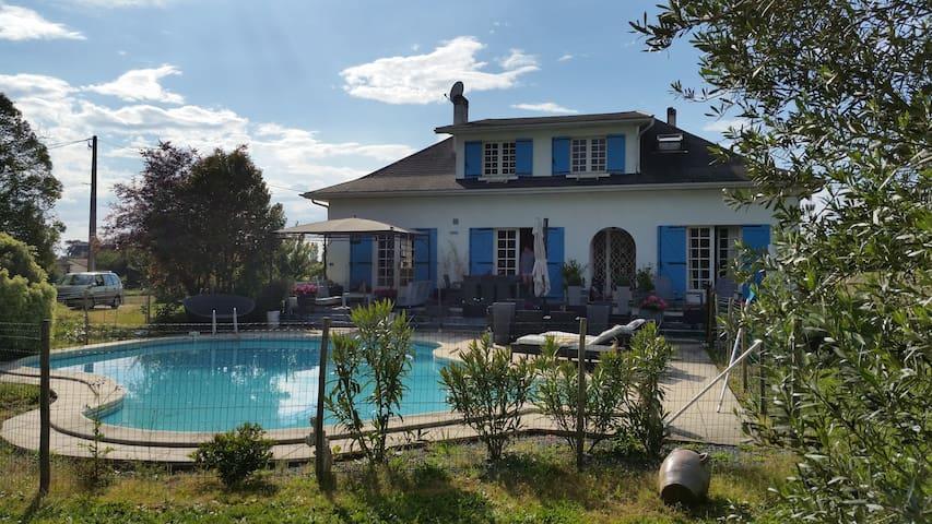 La maison de la douceur de vivre - Lamothe-Landerron - บ้าน