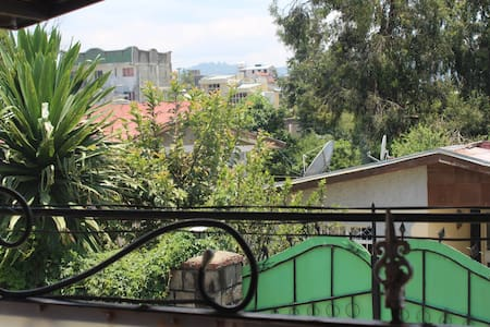 3 bedroom house 10min from airport - Addis Ababa