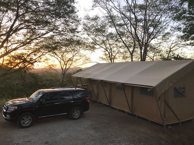 GUANAGLAMP - Our Safari Tent!
