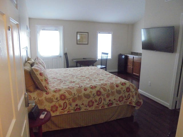 Lake Huron Lodge Suite 5