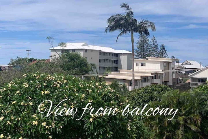 Newly renovated ocean breeze jetty beach apartment