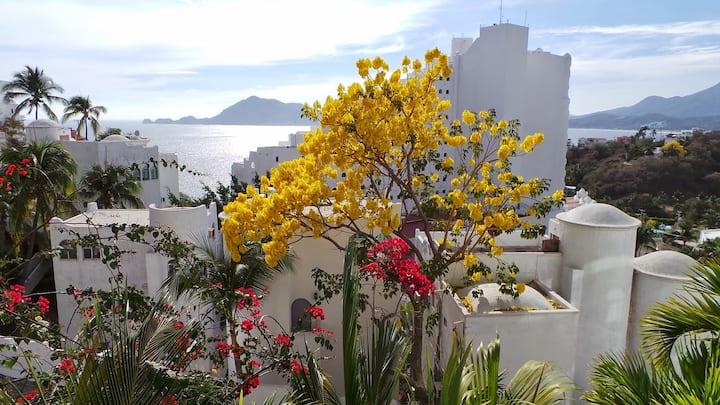 Manzanillo, Las Hadas Peninsula