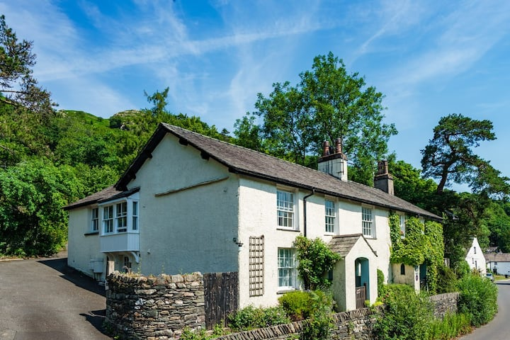 Pet friendly 2 bedroom apartment near to Ambleside