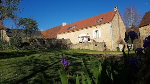 Belle Maison de Campagne en Périgord Noir