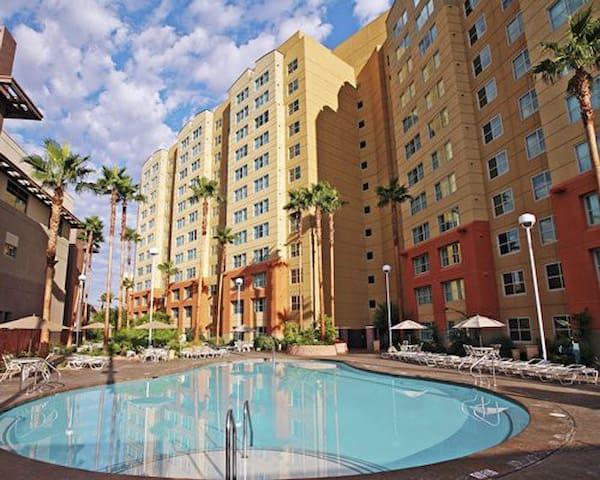 The Grandview at Las Vegas 1/2 Rooms for Superbowl