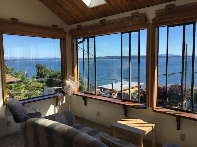 Private House Ocean View, 5min to White Rock Beach