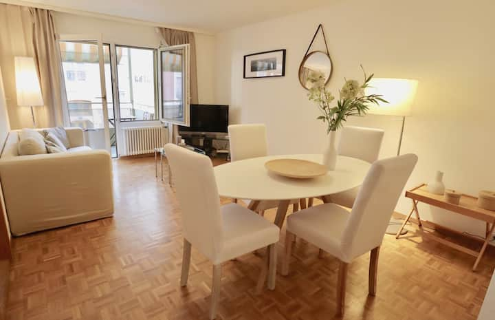 125*Comfortable, very well located between train station and lake!