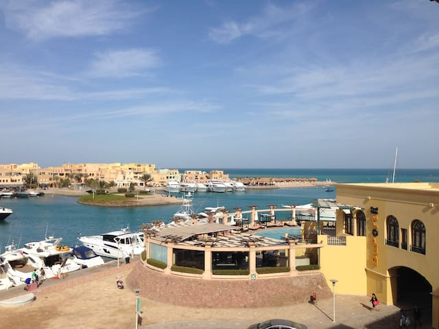 Abu Tig, Gouna, Cosy & Comfy..they all come back!