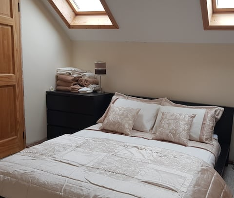 Double Room- White House, Fenagh, Carlow (Sleeps2)