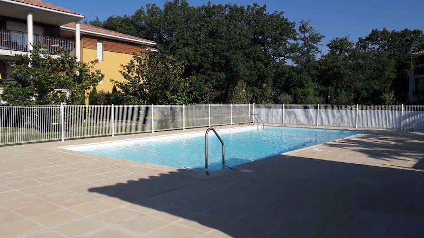 Chambre  porte du verdon dans résidence  piscine