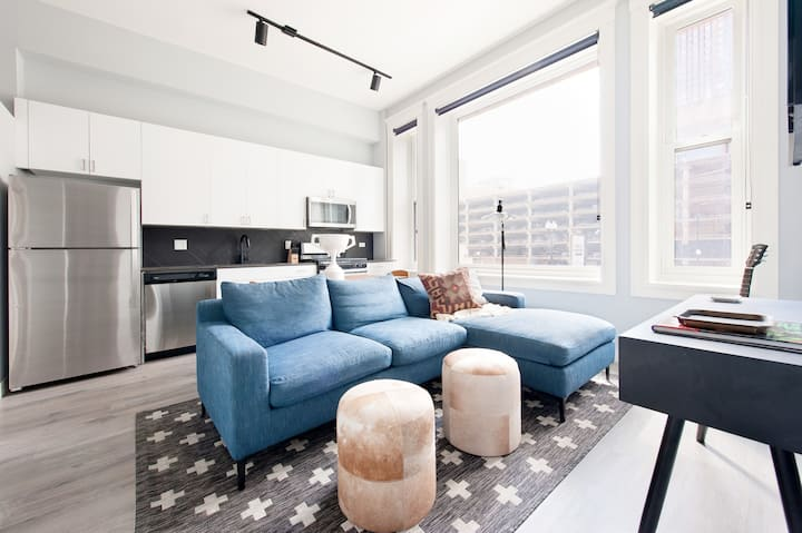 Sonder | Spacious 3BR in South Loop