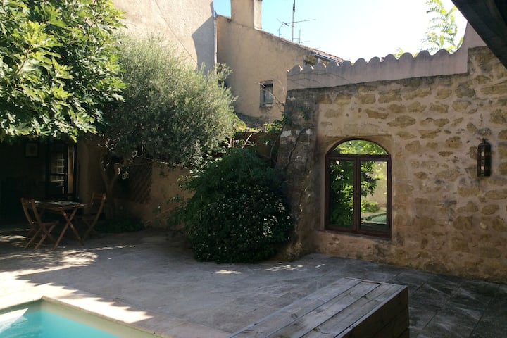 200 m2 de charme Luberon  centre village  Flexible