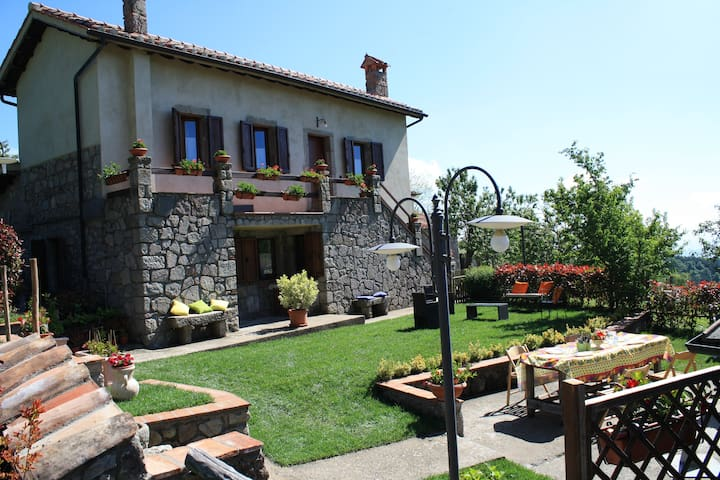 Relax in montagna-Agriturismo  Biagiotti (Rocca)