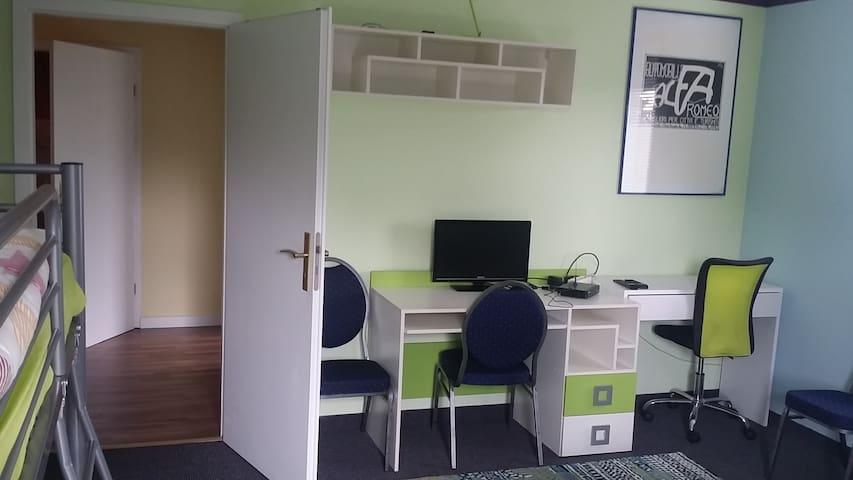 Große Wohnung für 1-18 Pers. im Raum Halle/Leipzig