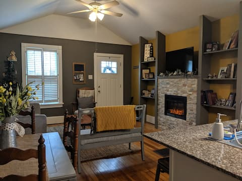 Amazingly spacious tiny home in St. Louis County