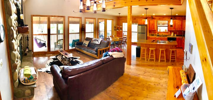 Brandy Station Lakefront Lodge, Walk to Shoreline, Fire Place, WiFi, TV