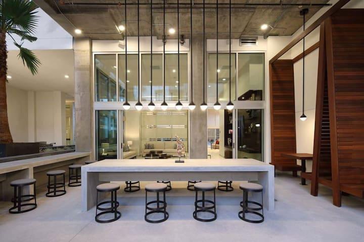 DTLA Modern stylish APT-Park+pool/SPA+Gym