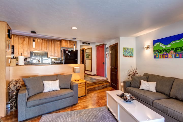 Charming & Newly Renovated Condo