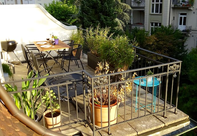 Stylish Flat with Terrace (2 BR) close to Old Town