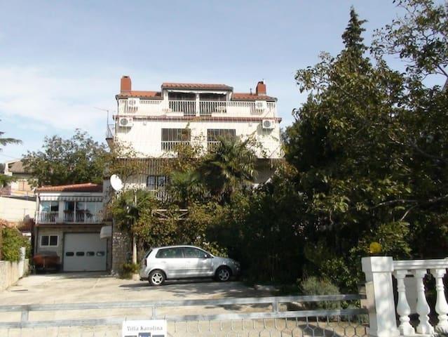 Villa Karolina, Apartment - Novi Vinodolski - Villa