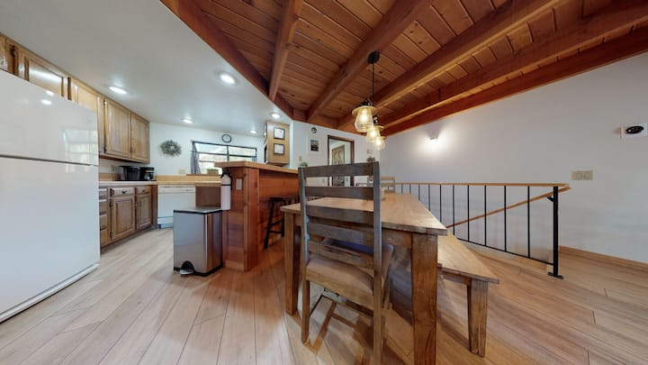 Snowflower #79- townhome in the heart of fun Mammoth activities!