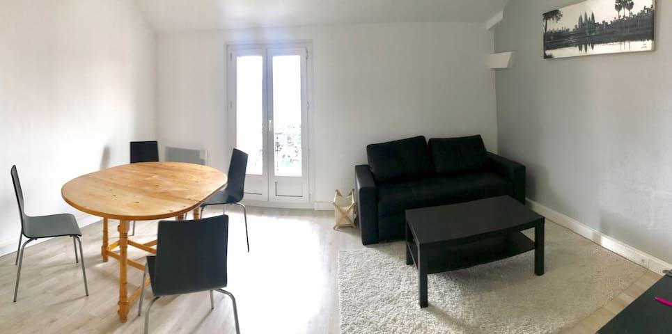 Newly refurbished apartment 60 m² near Paris