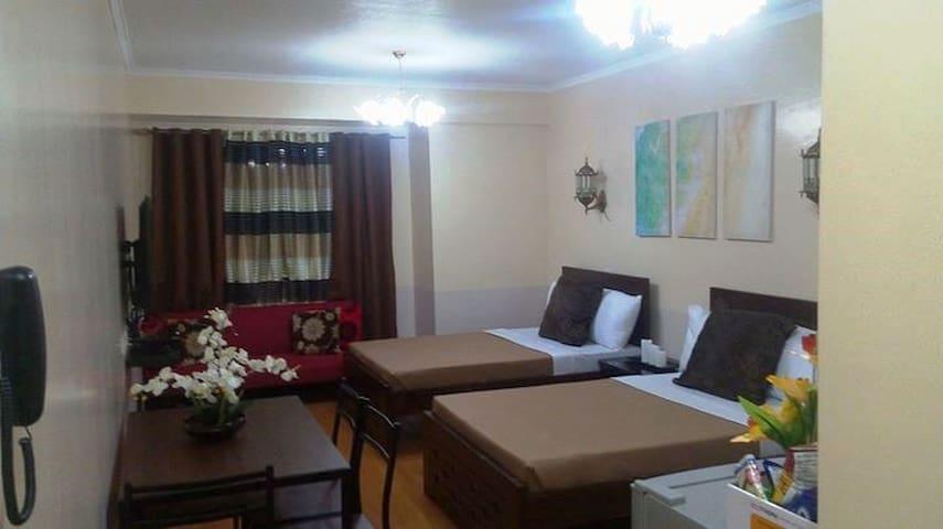 Condo 2, inside Albergo Hotel Across Tourist Spots