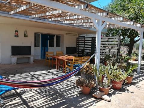 Casa mediterránea espaciosa y rústica