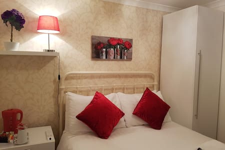 Ensuite double room near seafront & Brighton Pier - Brighton