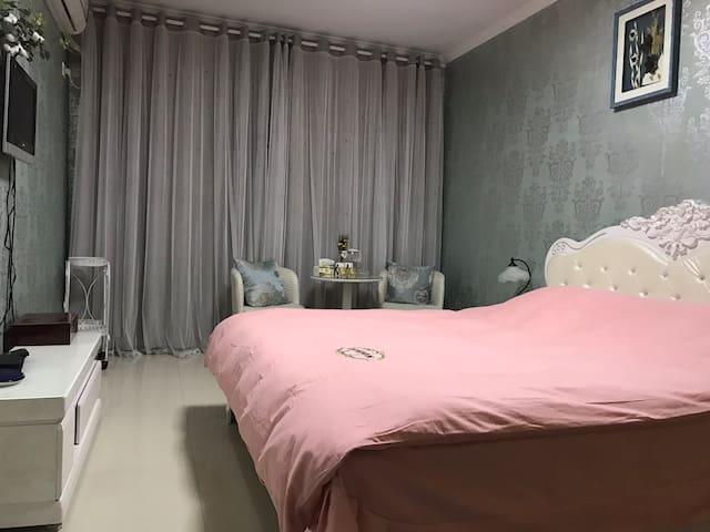 温馨浪漫大床房