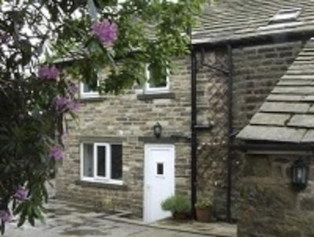 Standedge Foot Cottage - Grande Manchester - Outro