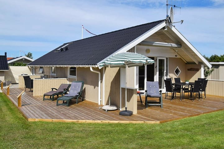 Spacious Holiday Home in Hemmet with Whirlpool
